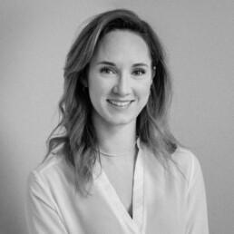 Porträtfoto von Ina Schmitz, Marketing Managerin bei D&CO