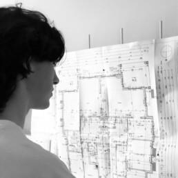 Porträtfoto von Levi Rannoch, Werkstudent Architektur bei D&CO